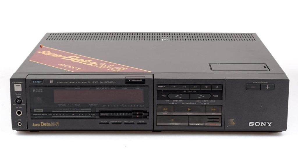 sony-SL-HF950-1024x494-1